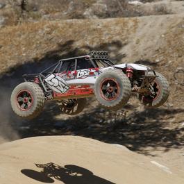 Losi 1/5 Desert Buggy XL 4WD RTR - през неравностите